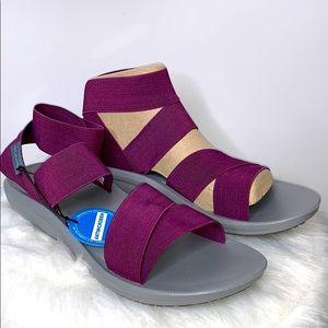 NWT COLUMBIA Plum Barraca Sport Strap Sandals Shoe